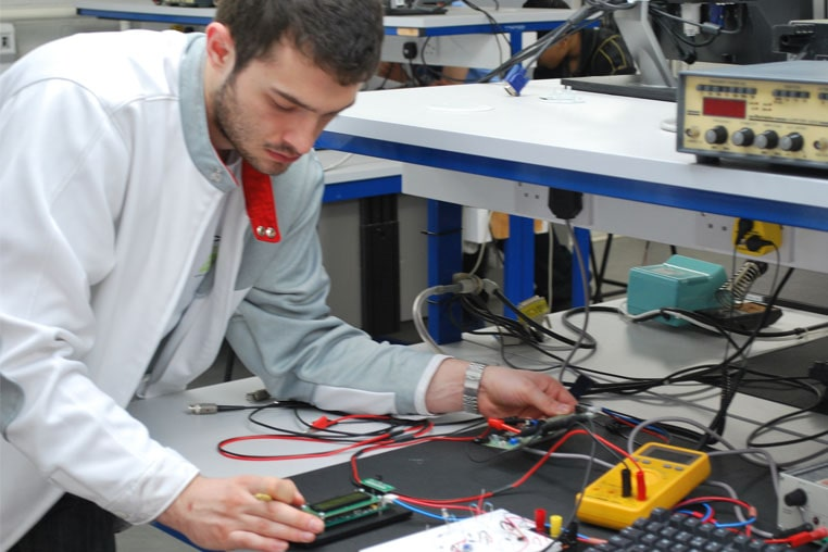 BEng( Hons) Electronic & Electrical Engineering  Best Degree Programs & Courses  Most Popular